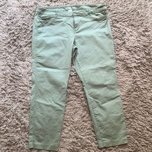 Old Navy green Pixie Chinos - size 16